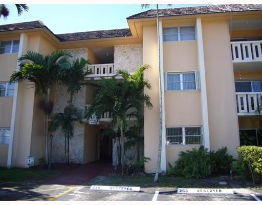 Villas of Miami Lakes Condominium - Hialeah, FL