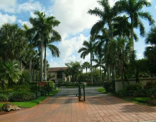 Briar Bay Townhouse - Miami, FL