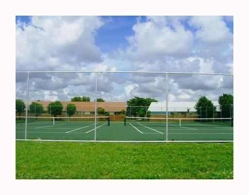 Country Lake Manors Townhomes Sec 2 - Miami Lakes, FL