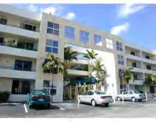 Flamingo Court Condo - Miami, FL