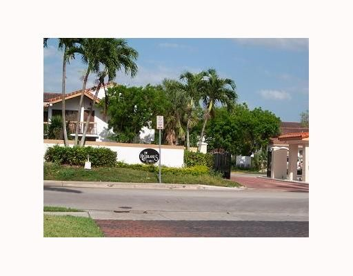 Highlands Kendale Lake Condo PH 1 2 3 & 4 - Miami, FL