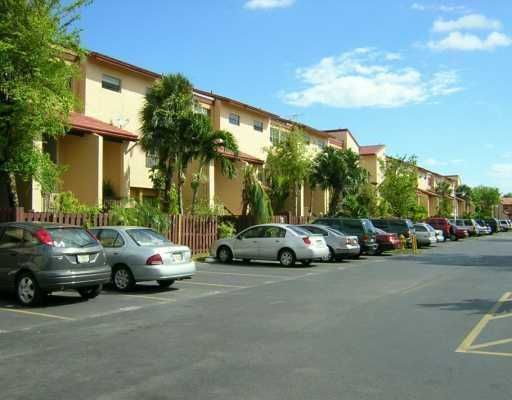 Indian Summer Vilg Condo PH 1 THRU 6 - Miami, FL