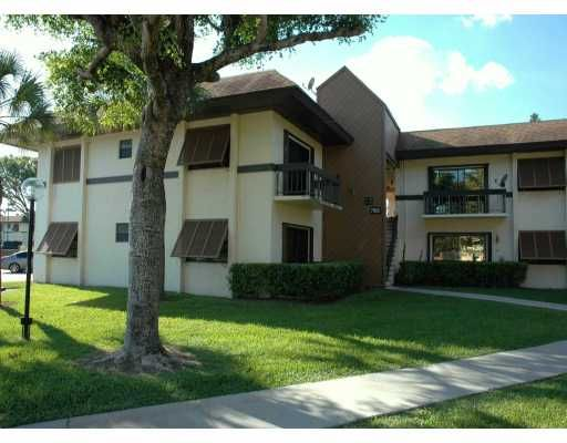 Kings Creek West Condo - Miami, FL