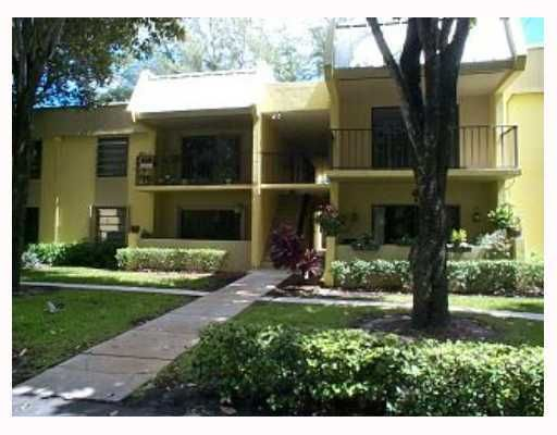 Nob Hill West Condo - Kendall, FL