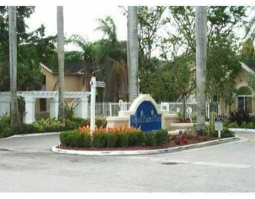 Royal Palm Place At The Hammocks Condo Miami Fl Miami Condos Miami