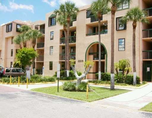Vista del Lago Condo PH 1 thru 3 - Miami, FL
