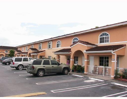 El Prado XVI Condo   Hialeah, FL
