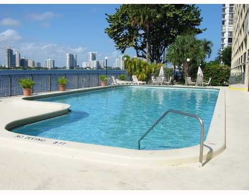 Fairview House Condo - Sunny Isles Beach, FL