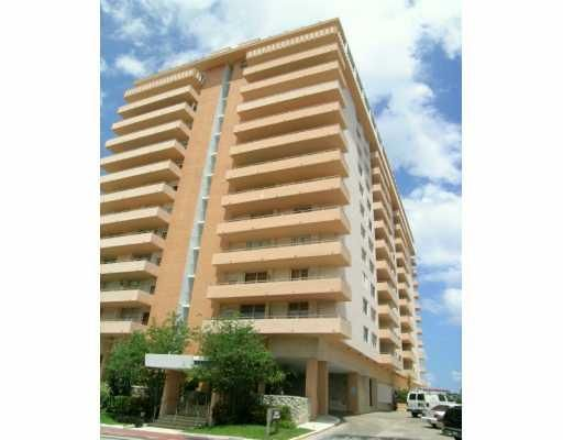 Four Winds Condo - Surfside, FL