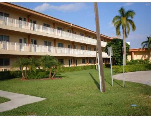 Eastern Shores Palo Alto Condo - - North Miami Beach, FL