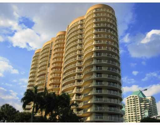 Grove Towers Condo - Coconut Grove, FL