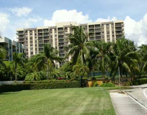 Greenwich Condos - North Miami, FL