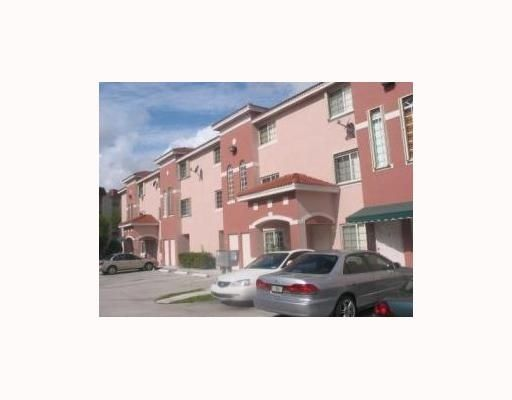 Christys Place Villas & Townhomes Condo - Miami, FL