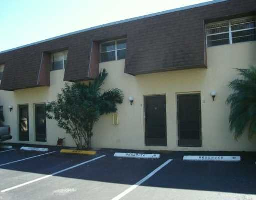 Coral Reef Townhouse Condo - Miami, FL