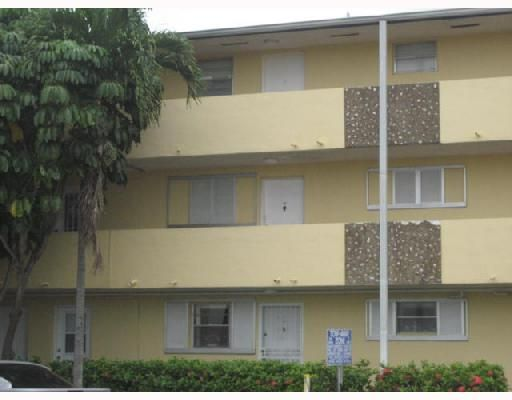 Palm Springs Gdns Bldg No 6 Condo - Hialeah, FL