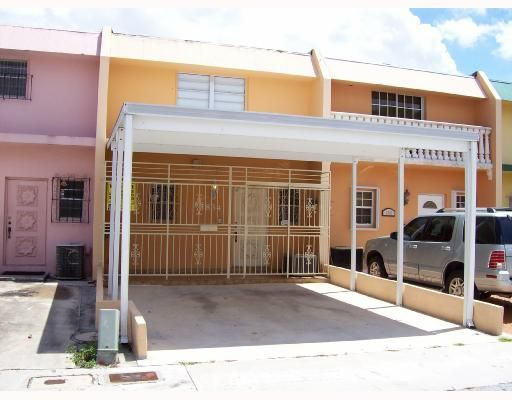 Palm Springs Lakes Townhouses 1st Addn - Hialeah, FL