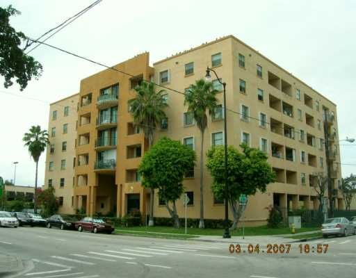 Rioplaza Condo North - Miami, FL