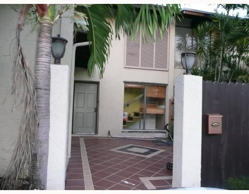 Snapper Creek Townhouses Sec 3 - Miami, FL