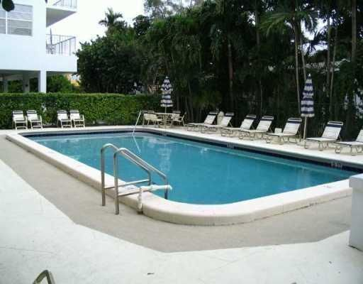 Stuart House Condo - Bay Harbor Islands, FL