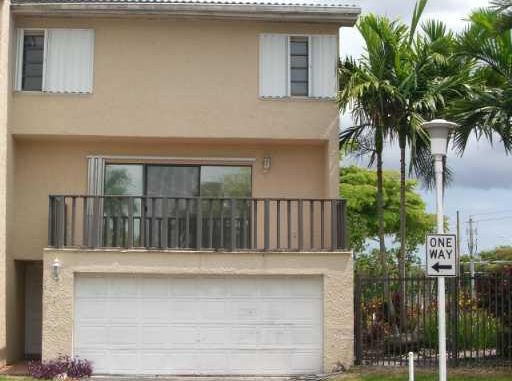 Suncrest Townhouse Condo - Miami, FL