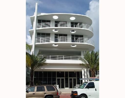 The Strand on Ocean Drive Condo - Miami Beach, FL