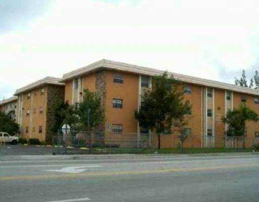 Royal Palm Gardens Condo - Hialeah, FL