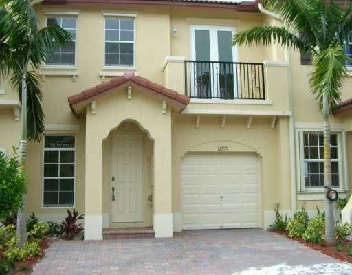Tuscany Villas West - Miami, FL