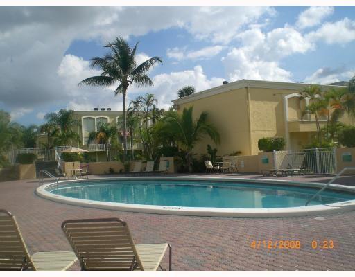 Venetian Gardens @ Country Club Of Miami Pool