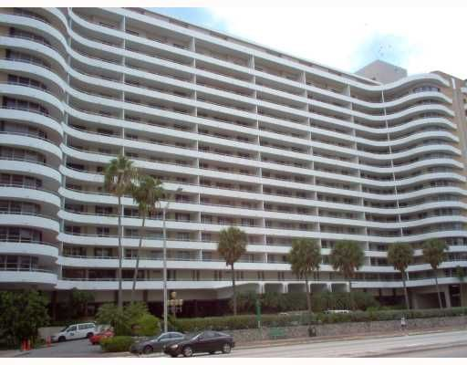 Oceanside Plaza Condo - Miami, FL