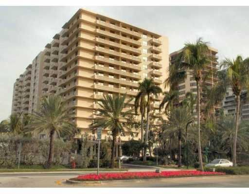 Plaza of Bal Harbour Condo - Bal Harbour, FL