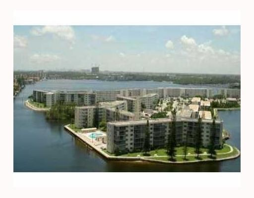 Point East Sec 3 Condo - Aventura, FL