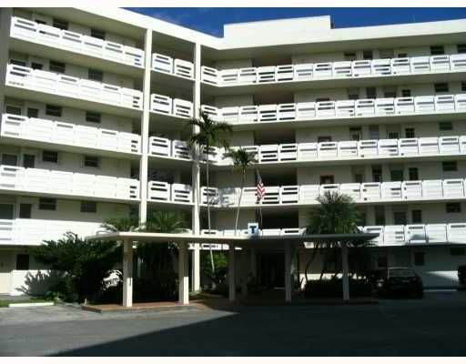 Point East Sec 4 Condo - Aventura, FL