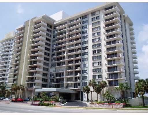 Royal Embassy Condo - Miami Beach, FL