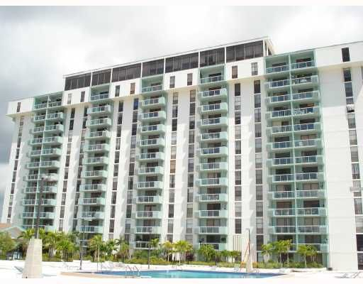 Sailboat Cay Condo - North Miami, FL