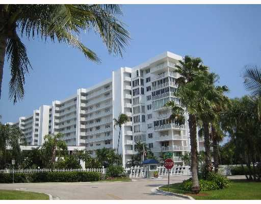 Sands of Key Biscayne Condo - Key Biscayne, FL