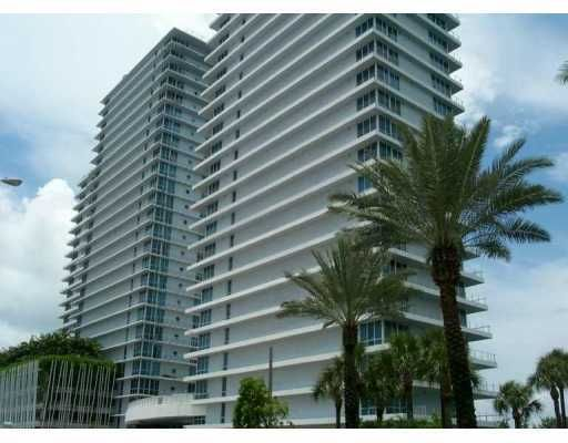 The Bentley Bay Condo - Miami Beach, FL