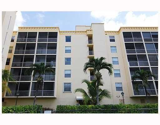 Bayswater Court Condo - North Miami Beach, FL