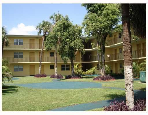The Kensington Condo - Hialeah, FL